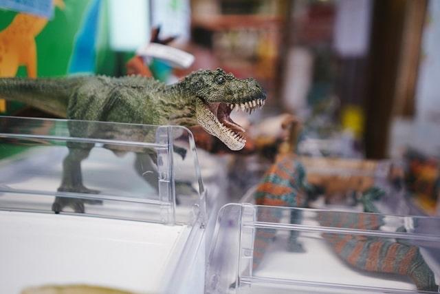 恐竜のおもちゃを選ぶ時のポイントの画像